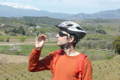 Wine tasting during a bike tour in the Emporda