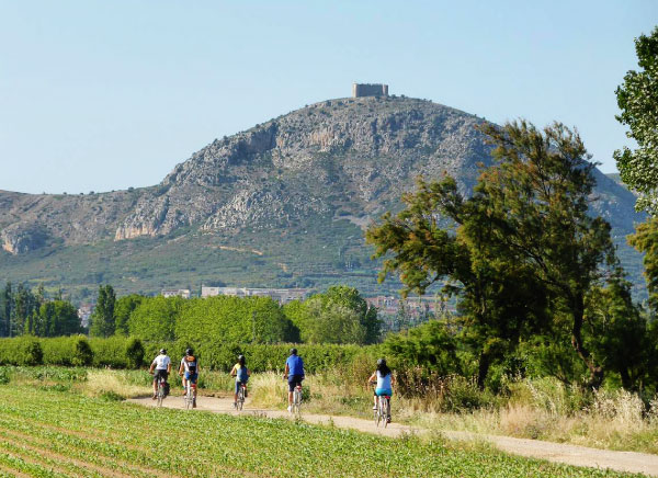 Cycling to Montgri's massif