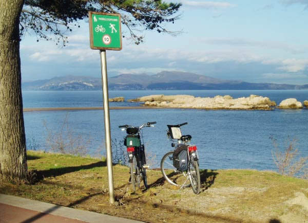 Cycling in the Emporda