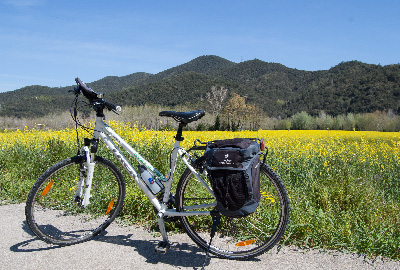 Cycling along the hidden spots of the Emporda