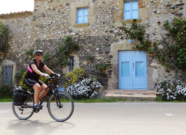 Touring bike tour to the Pyrenees