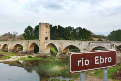 Cycling following the Ebro River